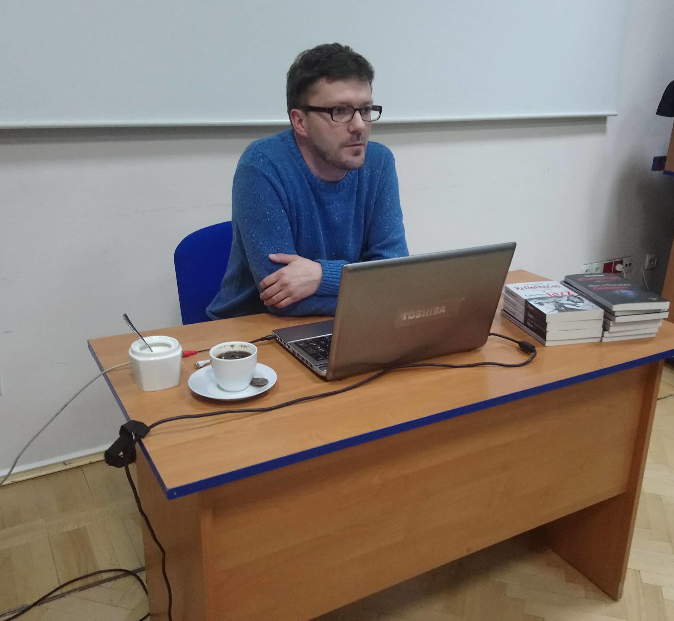 Czytaj więcej o: Jarosław Klonowski w turkowskiej Bibliotece